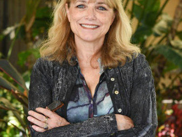 "Karen Allen: Living in a World of ""Yes"""